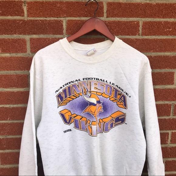 7a4ae9823 Vintage Minnesota Vikings Crewneck. M 5ac1846f3b1608e857fa17d1